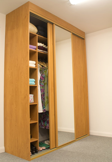 Gliderobes Sliding Fitting Wardrobes Quality Hand Made to Order Bedroom Furniture Portrait Image 009